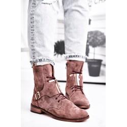 Suknelė uždėta - briaunota balta