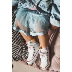 Suknelė su gobtuvu su žaliu neoniniu gaubtu