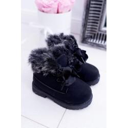 Suknelė supjaustyta po krūtine, mėtos ilgomis rankovėmis