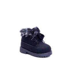 Suknelė iškirpta po krūtine, ilgomis rankovėmis mėlyna