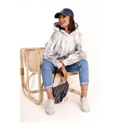 Suknelė su plačiais petnešėliais raudona