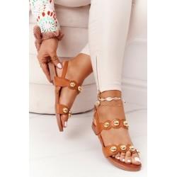 Suknelė su atspaudais ir platėjančia apačia balta