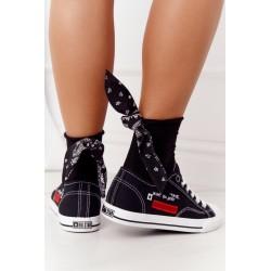 Megztinis megztinis su nerijos pynimu smėlio spalvos